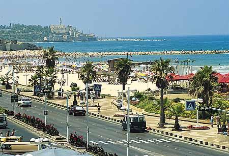 пешеходный приморский бульвар, ведущий к городу Яффо