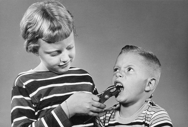 Если зуб удалили, эстетическую проблему может легко исправить зуб вставной