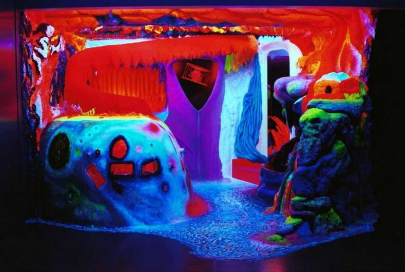 Музей флуоресцентного искусства в Амстердаме