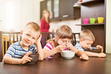 давать суп ребенку